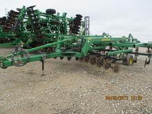 2003 John Deere 2700