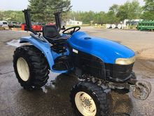 2000 New Holland TC33D