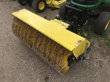 2015 John Deere 52 BROOM