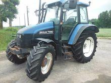 2000 New Holland TS 90