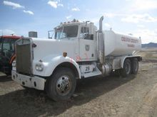 1970 Kenworth W900A T/A Water T