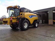 2013 New Holland Combine CX8090