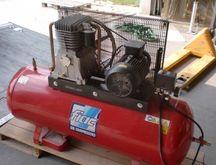 2003 FIAC AB T 200-480