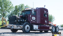2013 PETERBILT 386 Damaged truc