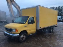 2006 FORD E-450 Damaged truck