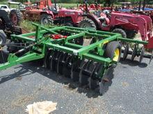 John Deere 2420 10' Hydraulic D