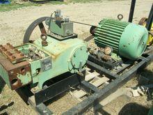 NLB 1060E triplex pump