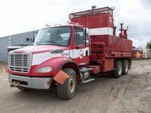 FREIGHTLINER M2 Trucks, Trailer