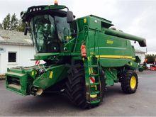 2014 John Deere T560 Combine ha