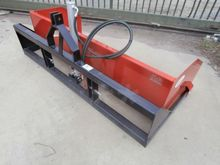 Forks and Buckets - : AMR B225H