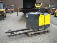 2006 Crown WP2323S Pallet Mover