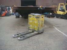 2004 Yale MP22 Pallet mover