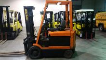 1999 Hyster E60XM Counter balan
