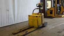 2008 Hyster B60Z-AC Pallet move