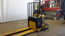 2012 Yale MPE080LV Pallet mover
