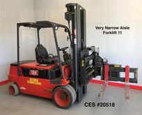 2000 Linde E40B Side loading fo