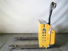 2009 Atlet PLL180 Pallet mover
