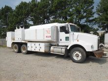 2005 KENWORTH T800 Fuel-Lube Tr