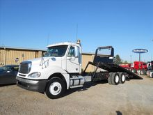 2009 FREIGHTLINER Columbia Roll
