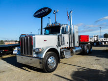 2011 PETERBILT 389 Flat Top Tan