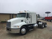 2014 MACK CXU613 Tandem Axle Sl