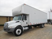 2013 INTERNATIONAL 4300 Box Van