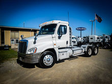 2011 FREIGHTLINER CASCADIA Tand