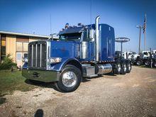2014 PETERBILT 388 Winch Truck