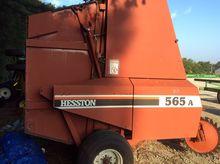 2000 Hesston 565a