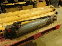 Liebherr Outrigger Cylinder Par
