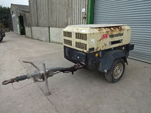2002 INGERSOLL RAND 7/21 MOBILE