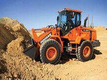 2015 Doosan Construction DL220-