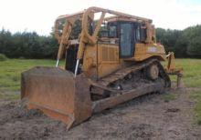 2004 Caterpillar D7R XR Track b
