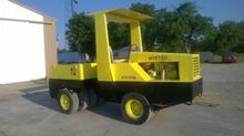 1992 Hyster C530A Pneumatic rol