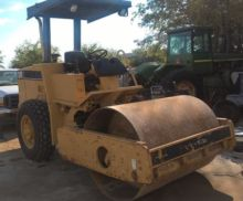 Caterpillar CS433-C Single drum