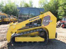 2015 Yanmar T210-1 Skid Steer L