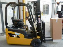 Used Used Caterpillar Three Wheel Forklifts for sale