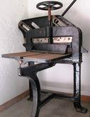 Ancient manual cutter, bookbind