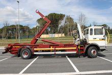 Renault hook lift trucks w faci