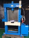 Electrohydraulic Press OMCN 30