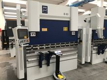 CNC hydraulic bending machine M