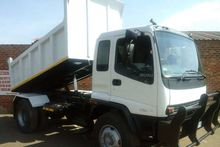 2002 Isuzu 6 CUBE TIPPER FOR SA