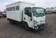 2013 Isuzu NMR 250 BOX BODY-BUS