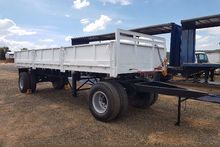 1989 Henred Drop side Drawbar s
