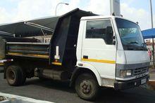 2008 Tata LPT 709 3 CUBE TIPPER
