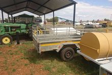Used Trailer with si