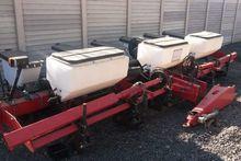 Massey Ferguson 9106 planter 6