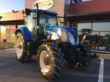 2011 New Holland T7 210