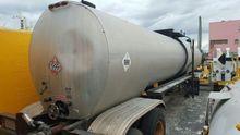 1989 Freuhauf 7,500 Gallon Asph