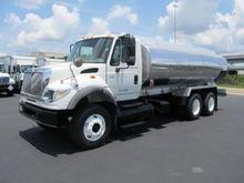 2004 Fuel Tanker 3750 Gal 5 com